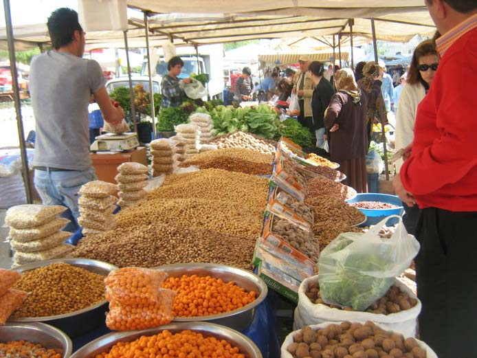 بازارهای محلی مکان های رنگارنگ آنتالیا