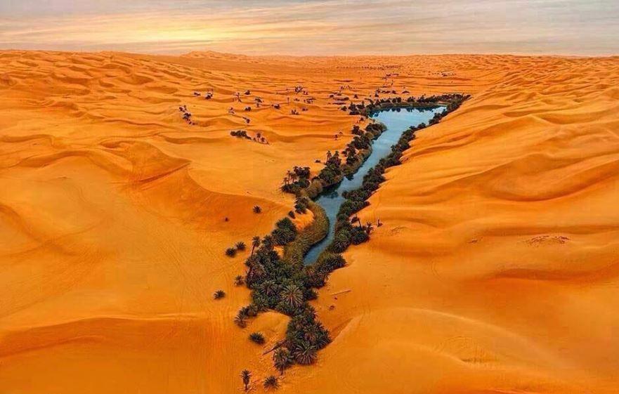 دریاچه ای رویایی در دل کویر لیبی
