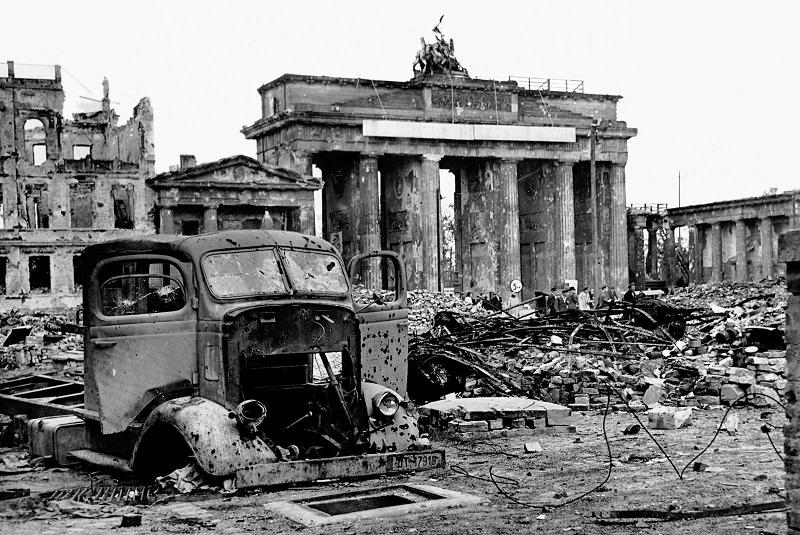دروازه براندنبورگ تاریخ 225 ساله برلین