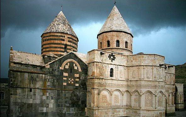 کلیسایی ملی و جهانی در آذربایجان